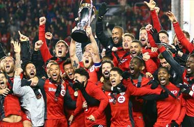 Thousands Of Fans Welcome New MLS Champions Toronto FC