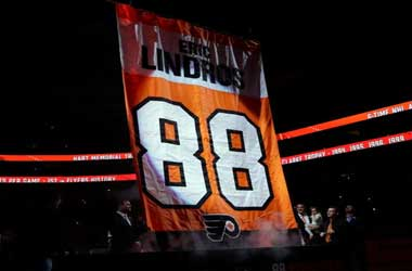Philadelphia Flyers Retire #88 Jersey As They Defeat Maple Leafs 3-2