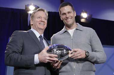 New England's Tom Brady Win MVP Award for Third Time