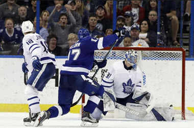 Toronto Maple Leafs Give Up Three Goal Lead to Tampa Bay and Lose 4-3