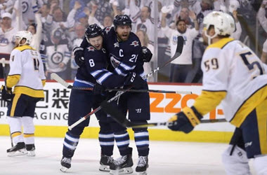 Winnipeg Jets Come From Behind to Win Game 3