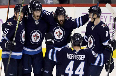 Winnipeg Jets Take Game 1 in Western Conference Final