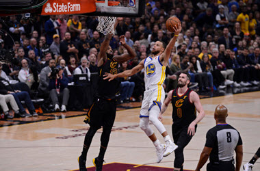 Golden State Warriors Lead Series 3-0 after Defeating Cleveland 110-102