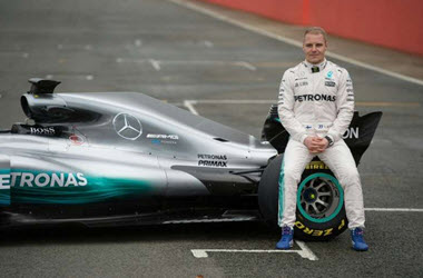 Mercedes Extends Valtteri Bottas Contract by 1 Year