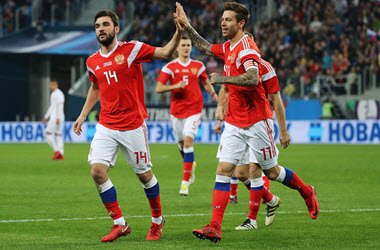 Russia Advances After Winning in Shootout Against Spain