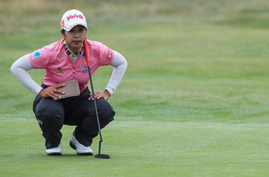 Pornanong Holds on to lead in Women's British Open