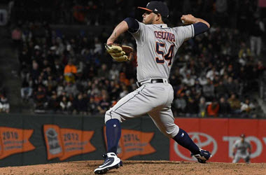 Roberto Osuna Earns Win with Astros in First Game back from Suspension