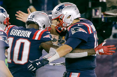 Tom Brady Scores his 500th Touchdown and Makes History