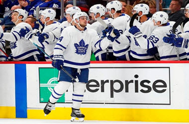 Toronto Maple Leafs Continue Record Start with 5-3 Victory over the Red Wings
