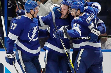 Tampa Bay Lightning Score Late Period Goal to Defeat Montreal
