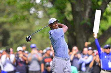 Tiger Woods Struggles on Day One of Mexico Championship