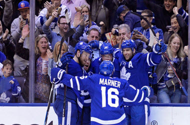 Toronto Takes 2-1 Series Lead over Boston