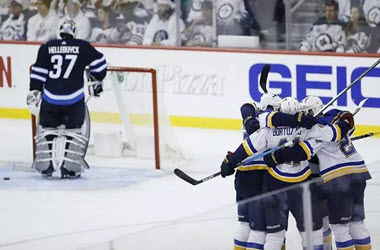 St Louis Blues Take Game 1 against Winnipeg Jets