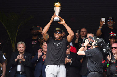 Kawhi Leonard Makes No Mention on Future as Toronto celebrates NBA title