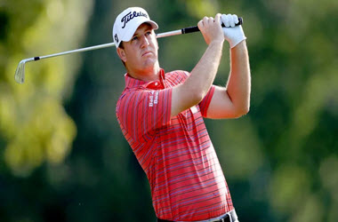 Tom Hoge takes early lead in Sanderson Farms Championship