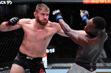 Blachowicz retains his light heavyweight belt with win over Adesanya