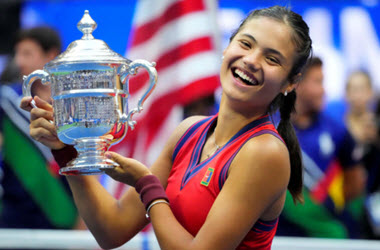 Emma Raducanu beats Canada's Fernandez to win US Open